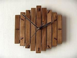 Uhren Aus Holz : 100 ideen f r faszinierende deko aus holz schmuck von der natur ~ Whattoseeinmadrid.com Haus und Dekorationen