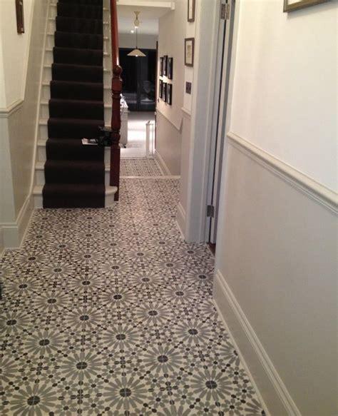 Flur Fliesen Ideen by Encaustic Tiles Barcelona 460 In Hallway Stairs