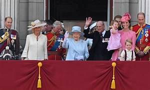 Actualité Famille Royale : londres la famille royale au grand complet pour la parade ~ Medecine-chirurgie-esthetiques.com Avis de Voitures