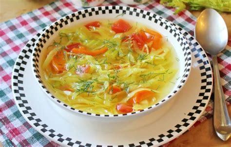 Bonnas zupa ir garšīga, diētiska dārzeņu zupa, kuru viegli ...