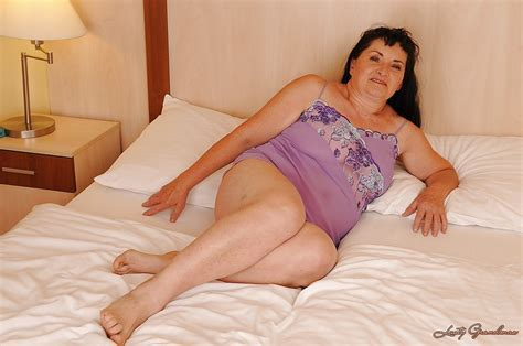 Fat Brunette Granny Loves To Spread Legs And Tickle Snatch