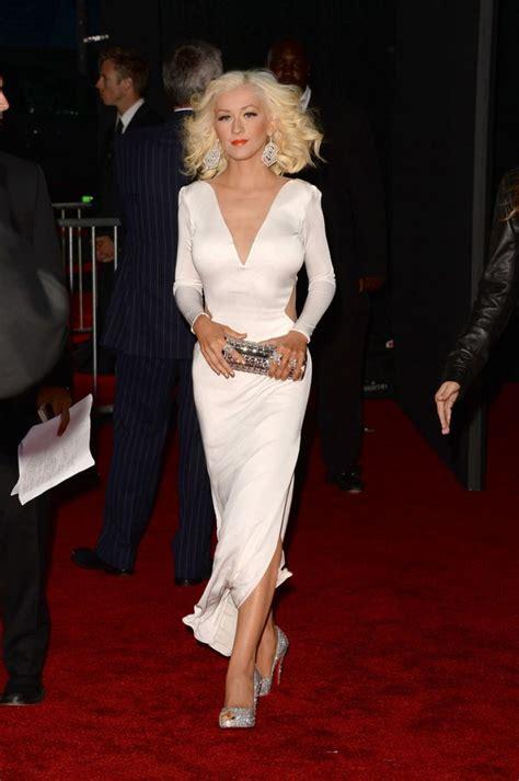 christina aguilera  white dress  red carpet