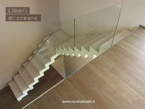 ringhiera di vetro scale a giorno di design in acciaio e vetro