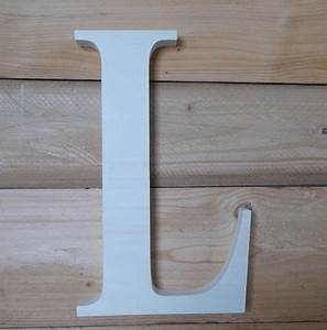 Lettre Decorative A Poser : grande lettre d co en bois lettre d corative en bois ~ Dailycaller-alerts.com Idées de Décoration