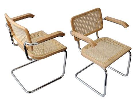 stuhl holz metall cesca stuhl mit armlehnen aus verchromtem metall mit struktur aus holz