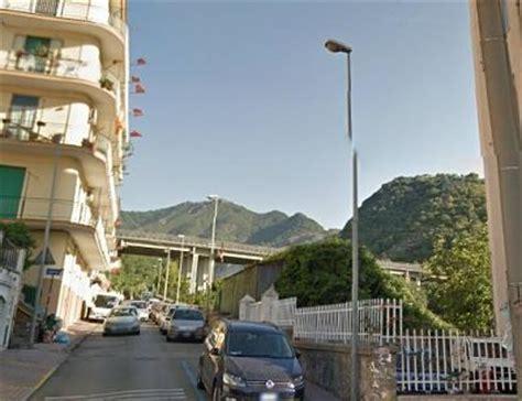 Ufficio Di Collocamento Salerno by Salerno Auto Danneggiate In Via Sichelgaita La Denuncia