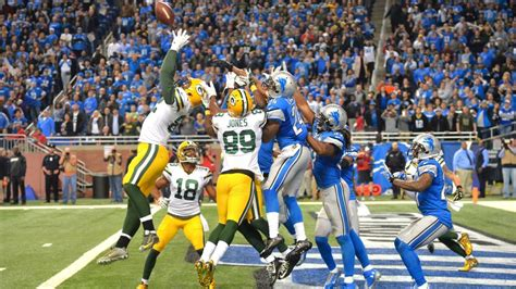 trending  nfl green bay packers beat detroit lions