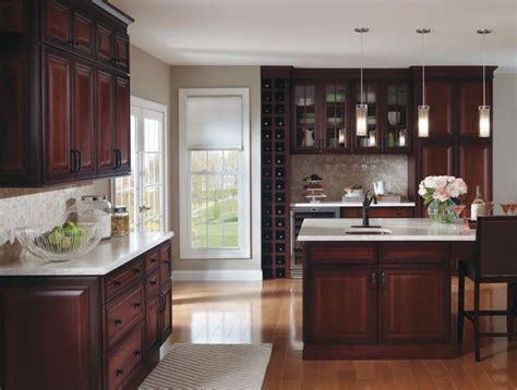 true wood cabinets best 25 cherry cabinets ideas on cherry