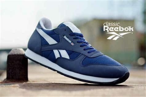 Sepatu Santai Reebok jual reebok classik premium sepatu casual pria olahraga
