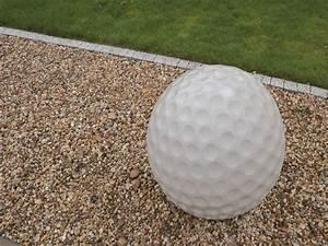 Beton Im Garten : design beton golfball steine im garten shop ~ Markanthonyermac.com Haus und Dekorationen