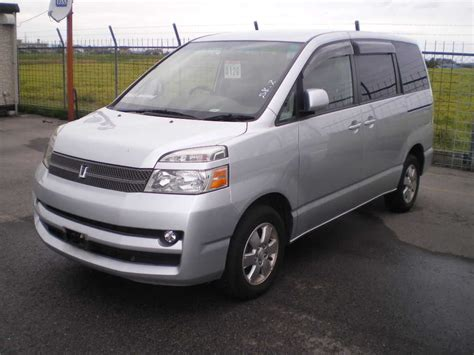 Toyota Voxy Photo by Used 2005 Toyota Voxy Photos 2000cc Gasoline Automatic