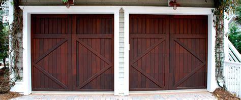 Porta Pvc Prezzi by Porte Per Garage In Legno Alluminio E Pvc Prezzi E