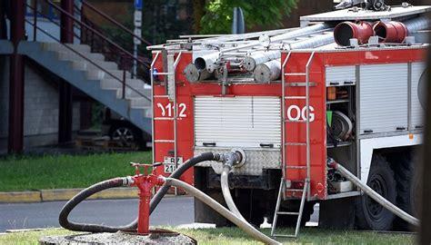 Daugavpilī ugunsdzēsēji no piedūmotas ēkas evakuē astoņus cilvēkus | Degpunktā | SKATIES