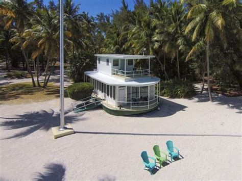Houseboat Zillow house of the week beached florida houseboat zillow