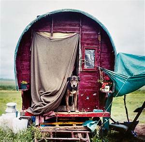 The Simple Life of Modern Day Gypsies as Photographed by ...