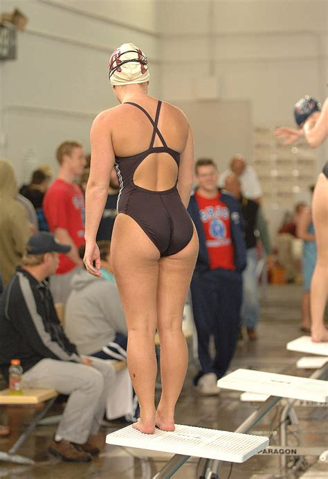 Big Booty Swimmers
