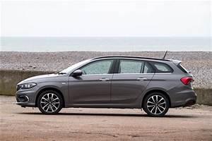 Fiat Tipo 2018 : fiat tipo station wagon 2016 car review honest john ~ Medecine-chirurgie-esthetiques.com Avis de Voitures