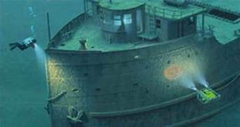 Edmund Fitzgerald Sinking Cause by Shipwreck Coast Lighthouse Work Set Paintsquare News