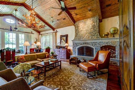 country superstar ronnie dunn lists nashville mansion