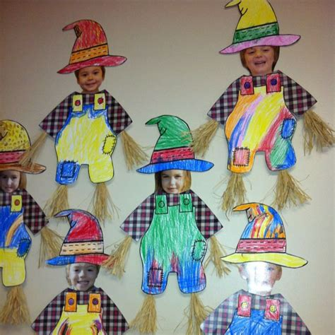 25 best scarecrow crafts ideas on fall wood 671 | 297b28a59550ab2e705c7792593da6a3 scarecrow ideas fall scarecrows