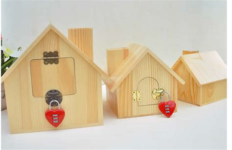 wood house money box piggy bank feelgift