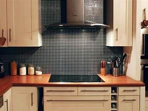 Carrelage adhesif tout ce que vous devez savoir for Carrelage adhesif pour cuisine