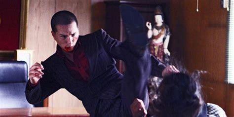 yakuza apocalypse yayan ruhian jadi gangster gahar