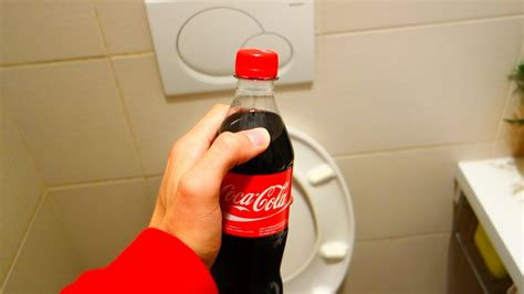 How To Clean A Toilet (cocacola Edition) Youtube