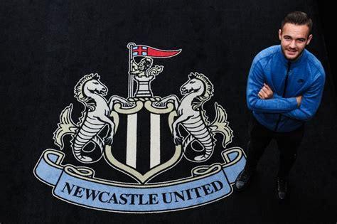 Rafa Benitez has a positive message for Adam Armstrong ...