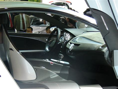 2007 Renault Laguna Coupe Concept Page 2