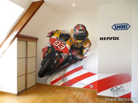 décoration chambre moto