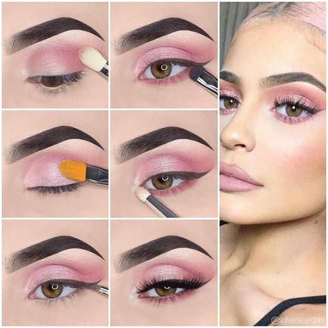 Comment maquiller des yeux noirs ? Marie Claire