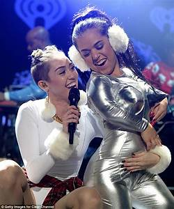 Miley Cyrus Delivers The Goods Again By Twerking On Dwarf