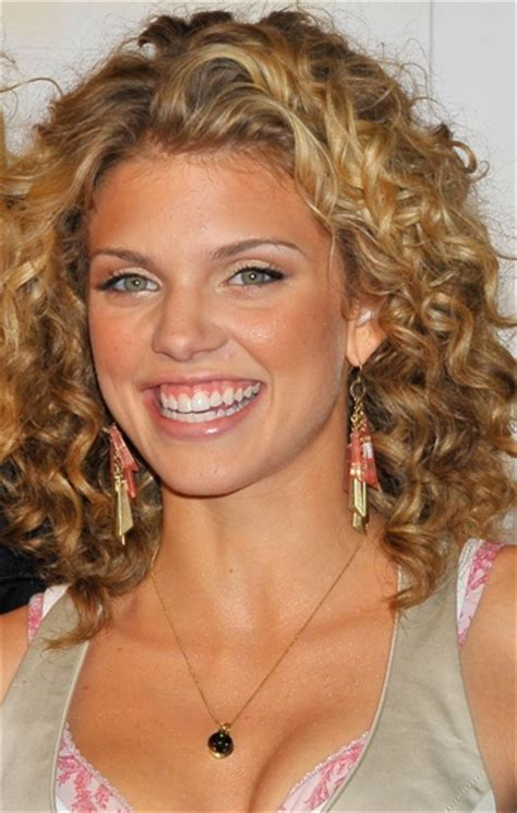medium length curly hair style tricks to look outstanding in your medium length curly 7709