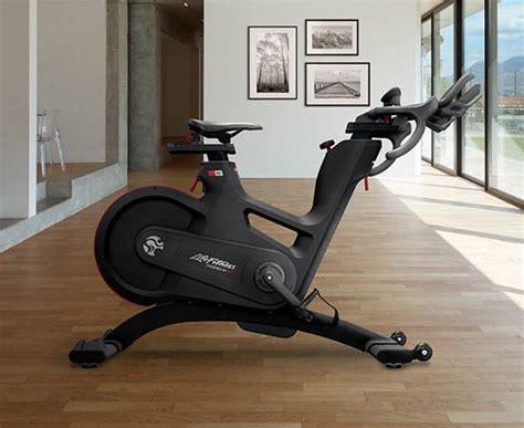 Ic8 features the freewheel drivetrain. Schwann Ic8 Reviews / Schwinn Ic8 Indoor Spin Bike Elite ...