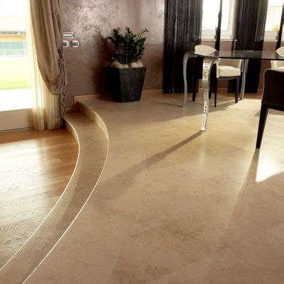pavimenti per soggiorno il pavimento soggiorno in travertino