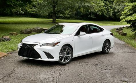 drive  lexus es review ny daily news