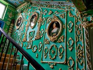 Common Stair in Rococo Style Made by a Retiree for 15