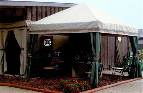 Custom Stall Drapes - equitex custom stall drapes awnings and show