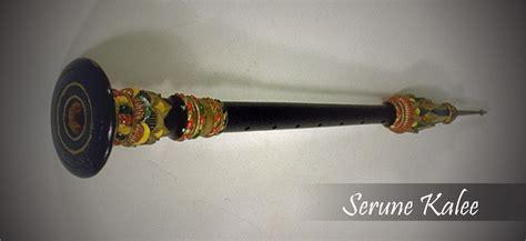 Kendang, atau biasa disebut juga dengan sebutan gendang merupakan salah satu instrumen dalam gamelan alat musik tamborin ini berasal dari daerah eropa yang mana pada awalnya dimainkan oleh kelompok. Alat Musik Tradisional