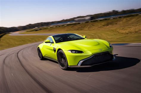 Aston Matin Car : The New 2018 Aston Martin Vantage Revealed In Pictures By
