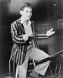 File:Leonard Bernstein NYWTS 1945.jpg - Wikipedia