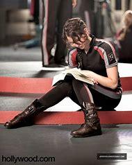 Jennifer Lawrence Reading Harry Potter