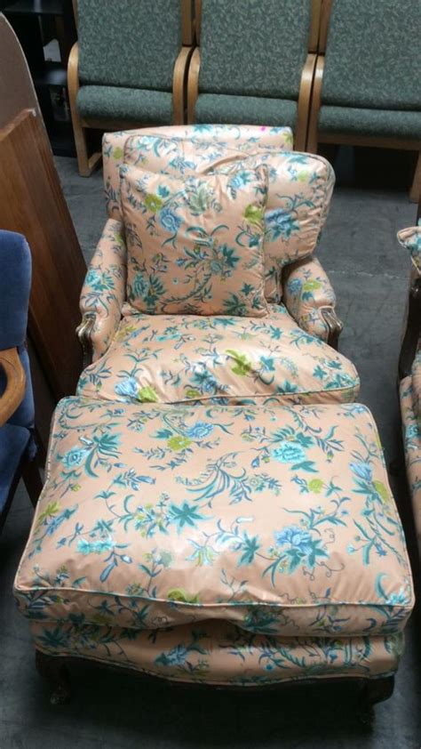 vtg floral upholstered lounge chair ottoman
