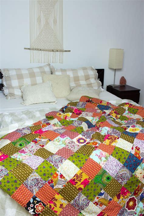 patchworkdecke selber machen diy patchworkdecke aus stoffresten n 228 hen diy und selbermachen