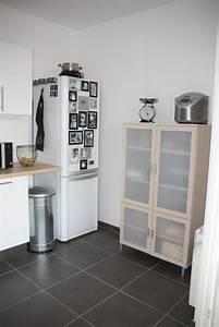 cuisine blanche bois et inox photo 4 6 3509188 With cuisine blanche et inox