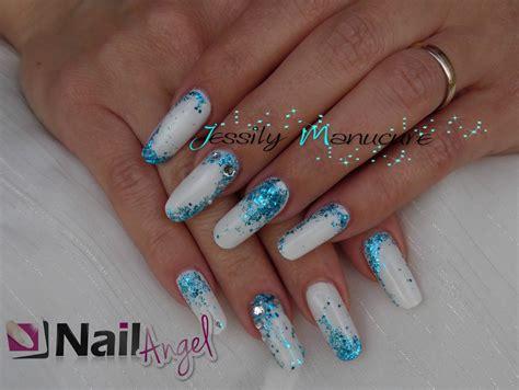 deco ongle gel hiver ongle en gel quot remplissage blanc et paillette bleue avec nailangel quot