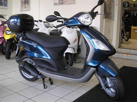 piaggio fly 125 2011 piaggio fly 125 moto zombdrive