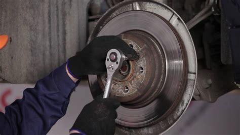 sostituire ganasce del freno posteriori dischi del