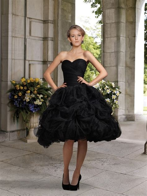 2019 Vintage New Short Black Ball Gown Knee Length Ruched